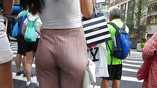 following beautiful butt in sexy pants  voyeur candid ass